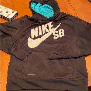 Nike SB back hooded sweatshirt size XL boys